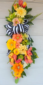 Bright Summer door swag - Gerbera Daisy Door Swag - door swags - Front door decor - Spring door swag - Julie Butler Creations