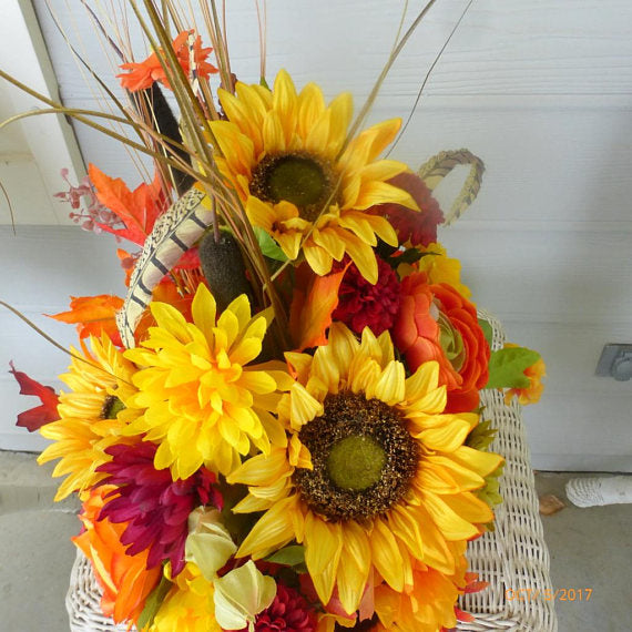 sunflower centerpiece - Autumn Floral decoration - Thanksgiving decorations - Julie Butler Creations