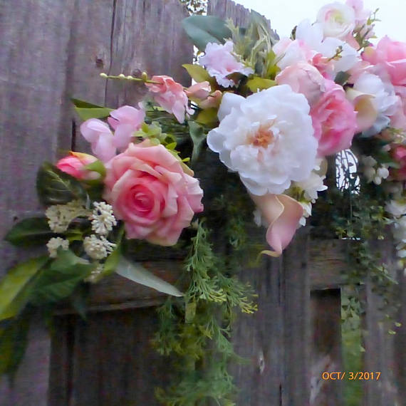 Wedding arch flowers pink and white roses wedding flowers wedding arch flowers pink and white roses wedding flowers wedding decorations mightylinksfo