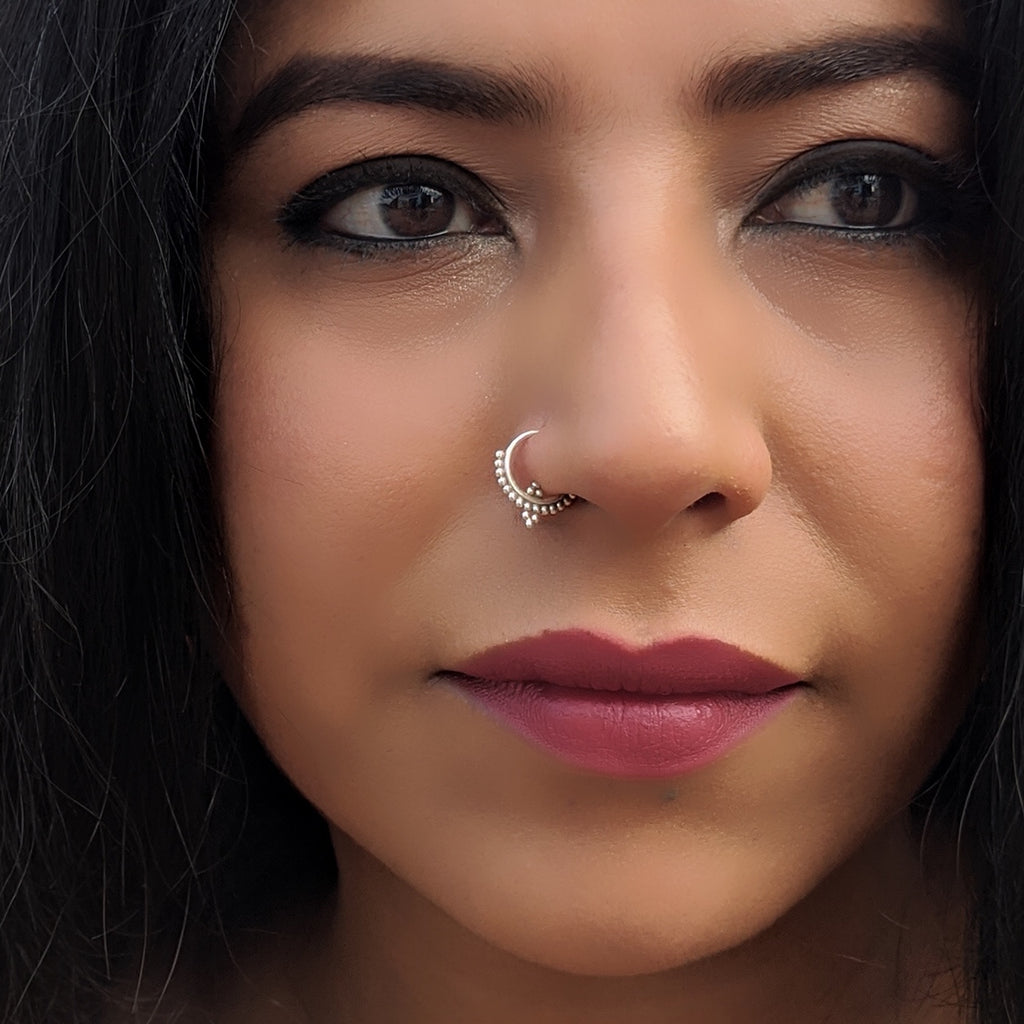 Rava Dotted Silver Nose Ring / Septum