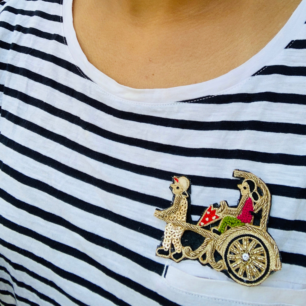 Cycle rickshaw brooch