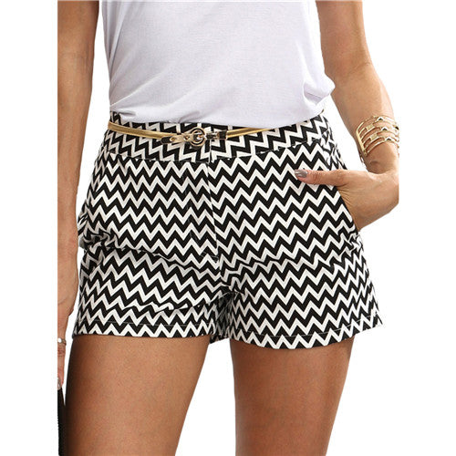 CasualBlack and White Mid Waist Button Short