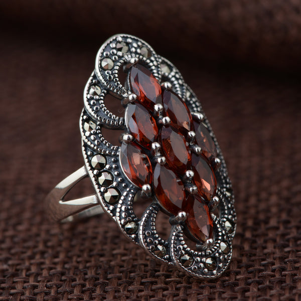 925 Sterling Silver Red Garnet Retro & Elegant Ring