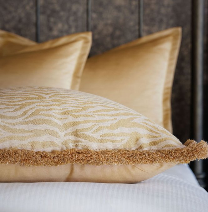 Metropolitan Glamour Luxury Bedding Collection