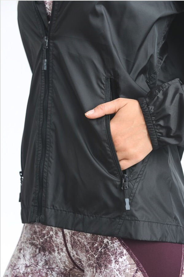 Runner Jacket in Black