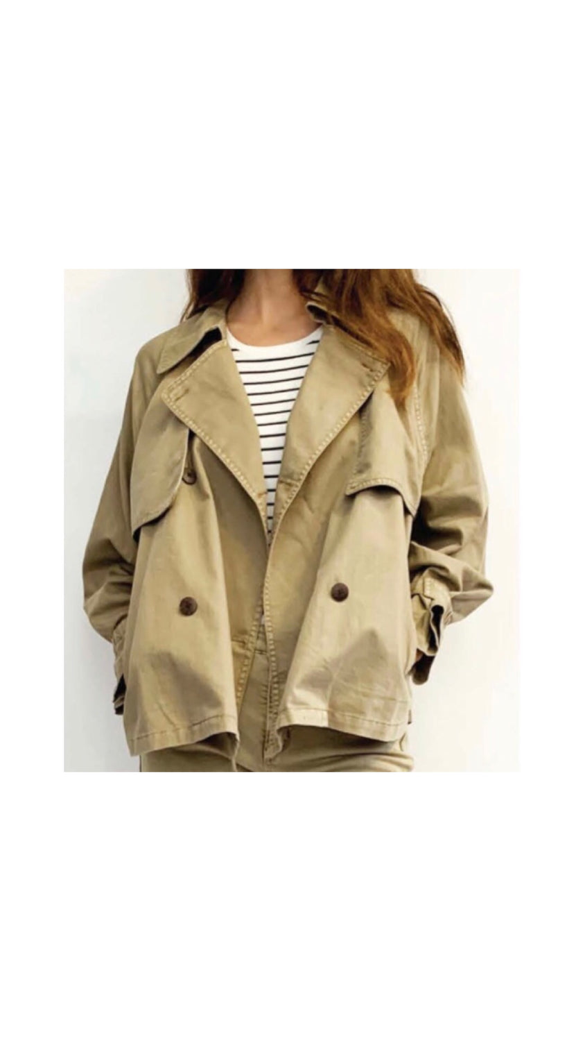Feminine Trench Coat in Khaki