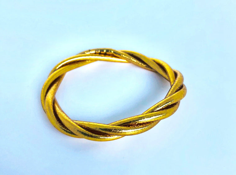 Twisted Lucky Temple Bracelet in Gold