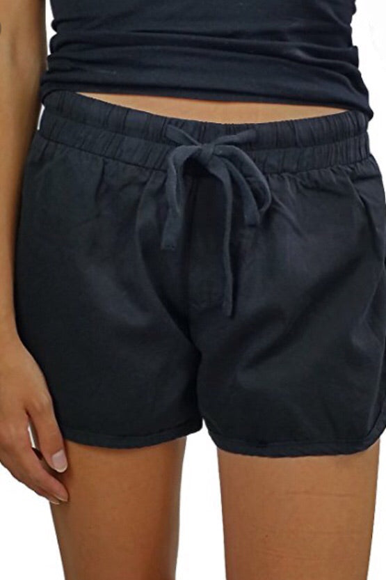 Gwen Slide Slit Short in Black