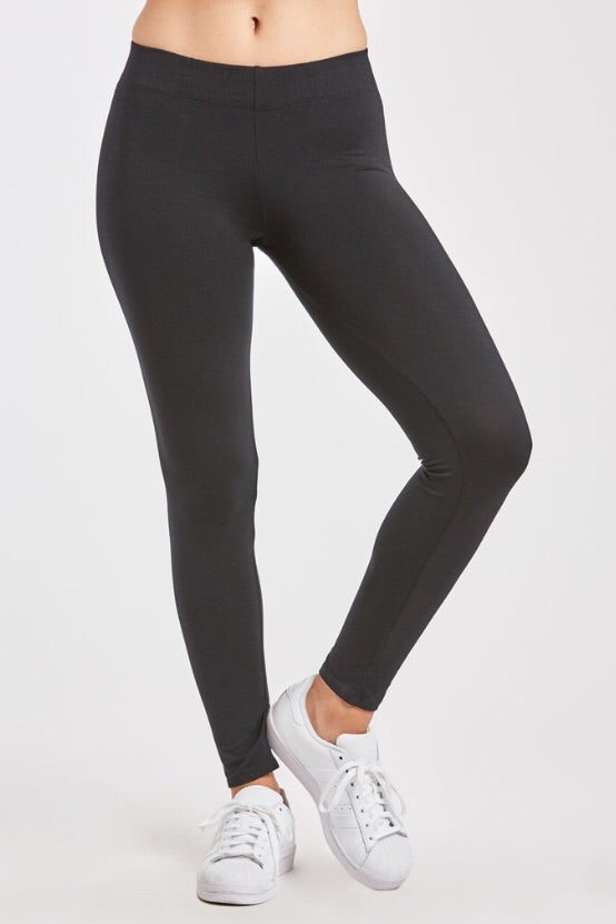 Cropped Gina Legging in Black