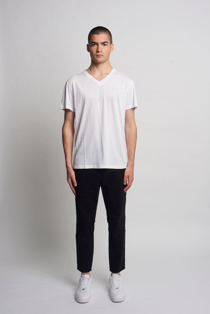 WHITE V NECK TEE SHIRT
