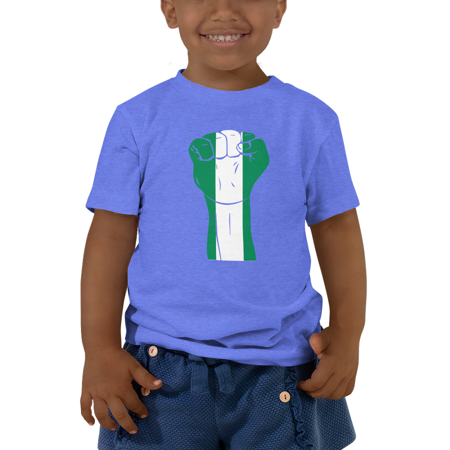 RAISED FIST 'NIGERIA' — Short-sleeved Toddler T-shirt