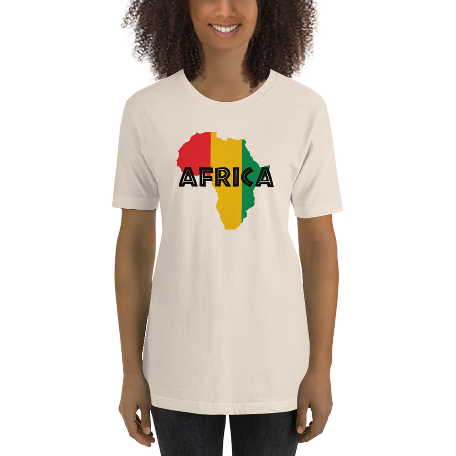 This cream-colored premium quality T-shirt from Natty Wear is made of 100% high-quality combed ringspun cotton. The front print portrays a map of Africa in the Rastafarian colors