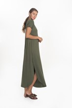 CAMPBELL V-NECK MAXI DRESS