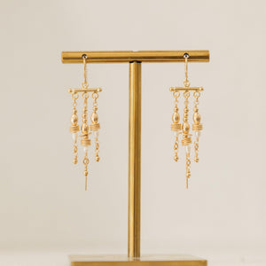 Load image into Gallery viewer, Tahnee Earrings Gold