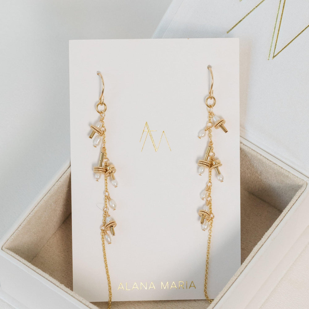 Load image into Gallery viewer, Auralie Freshwater pearl Earrings Gold