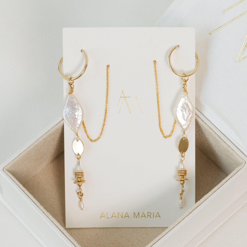 Load image into Gallery viewer, Clementine Earrings Gold