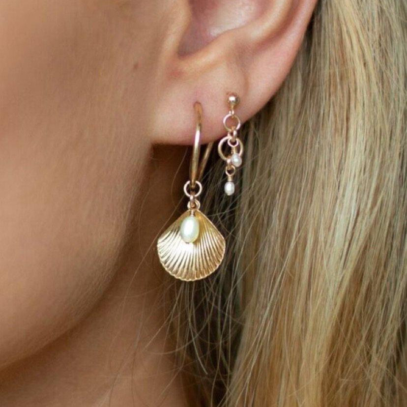 Load image into Gallery viewer, Peta Freshwater Pearl Earrings Gold