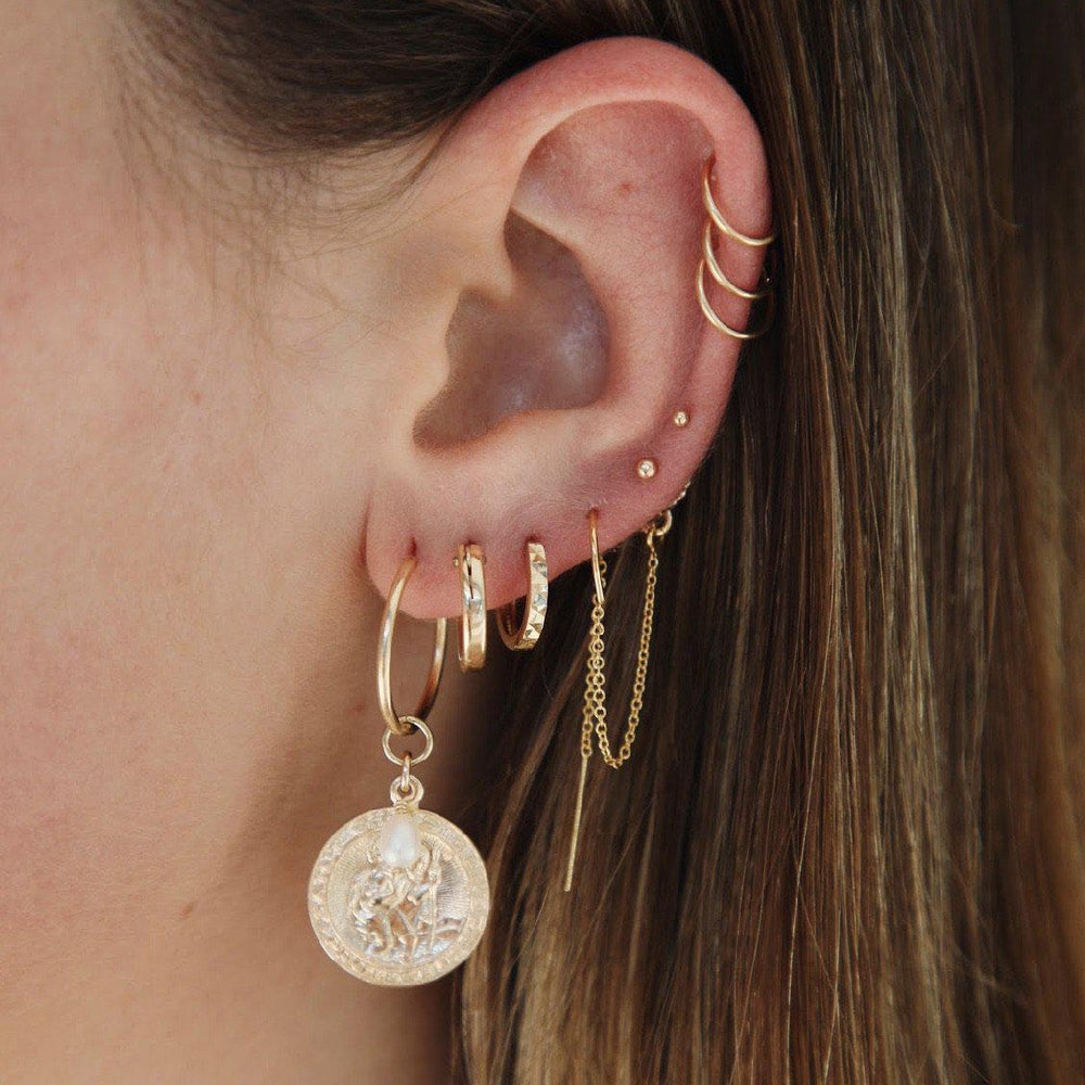 Load image into Gallery viewer, Ora Sleeper earrings
