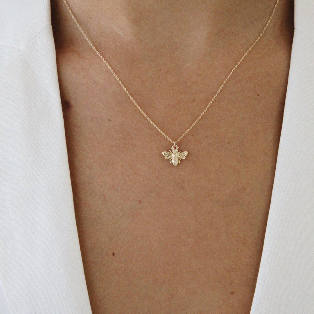 Load image into Gallery viewer, Bee Florai Necklace Gold