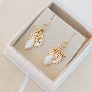 Load image into Gallery viewer, Jéan Earrings Gold