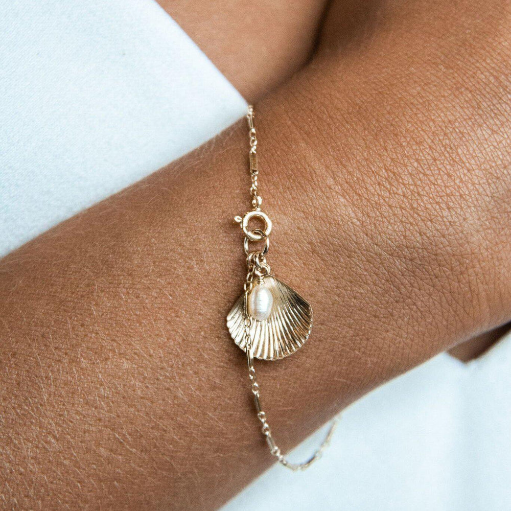 Load image into Gallery viewer, Ula Shell Bracelet Sterling Silver