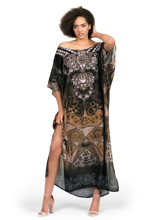 Kaftan dress by Kalisi, inspired by India, yoga, hinduism and henna.