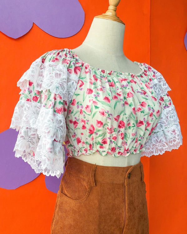 Lace Ruffle Crop VB5458