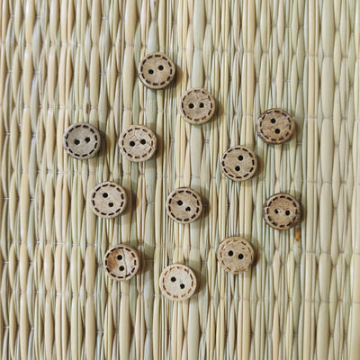 Pack Of Five Wooden Dash Carved Flat Button