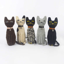 Severina Kids 5 Hand Knitted Cats