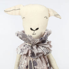 Severina Kids Zoo Londoners Lamb Limited Edition in Pale Pink
