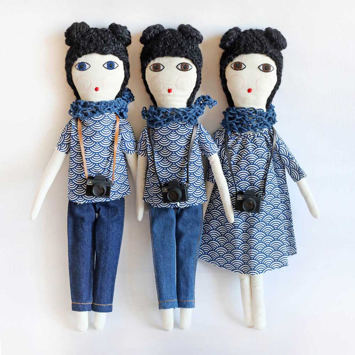 Three Brunette dolls with camera - Severina Kids