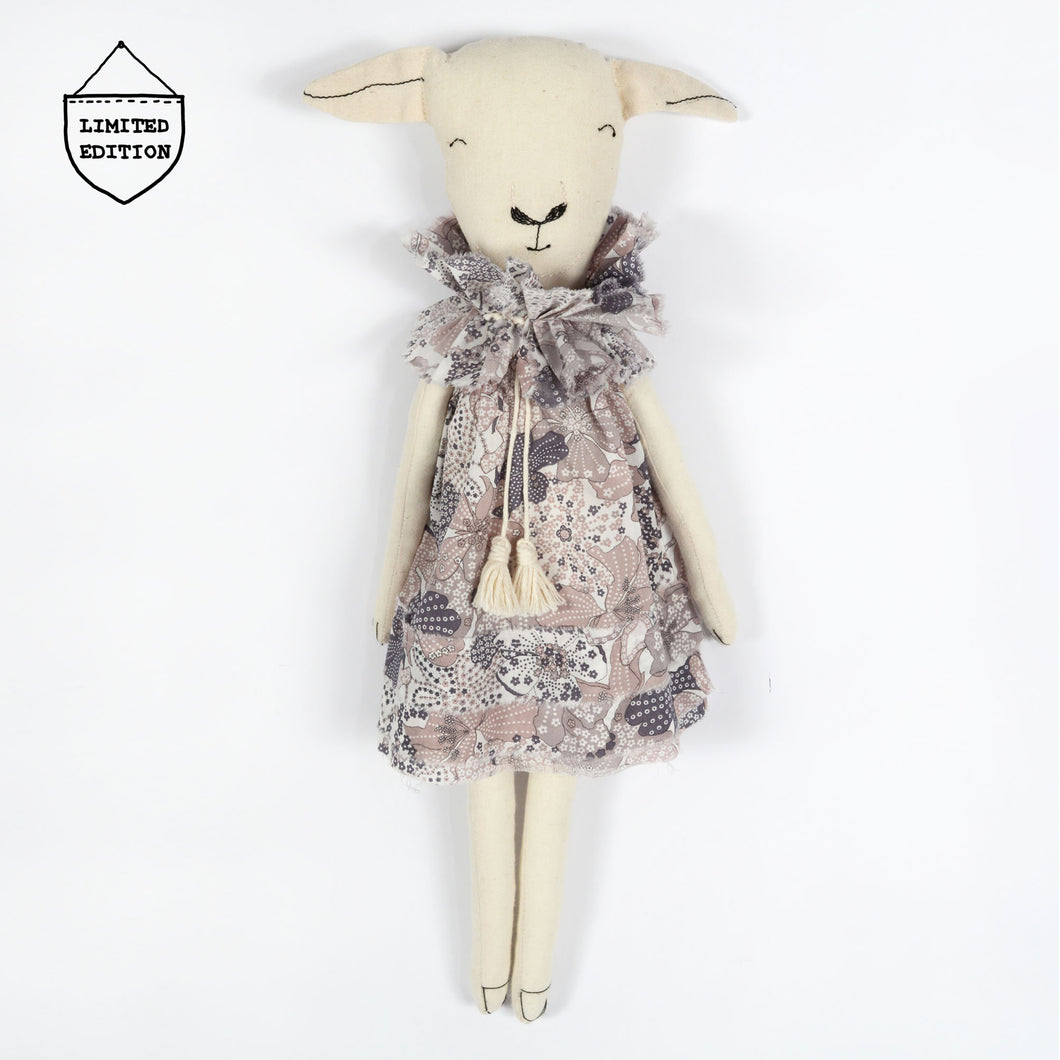 Severina Kids Zoo Londoners Lamb Limited Edition in Pale Pink, Yellow & Blue