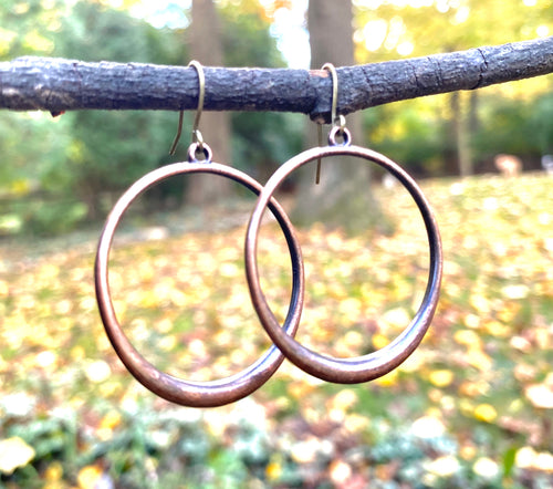 Everyday tapered hoop earring