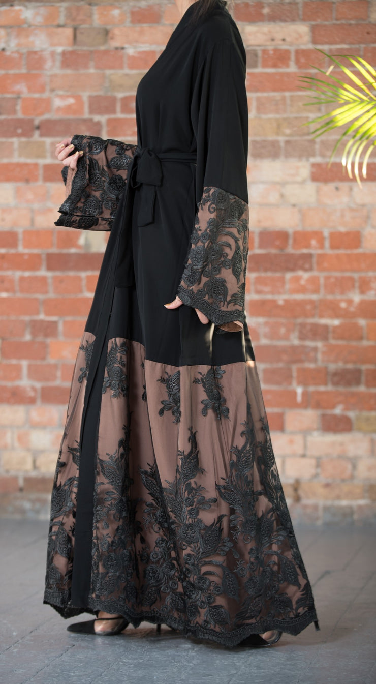 Aaliya Collections Serene Lace A gorgeous two tone abaya with beautiful lace embodied on contrasing brown