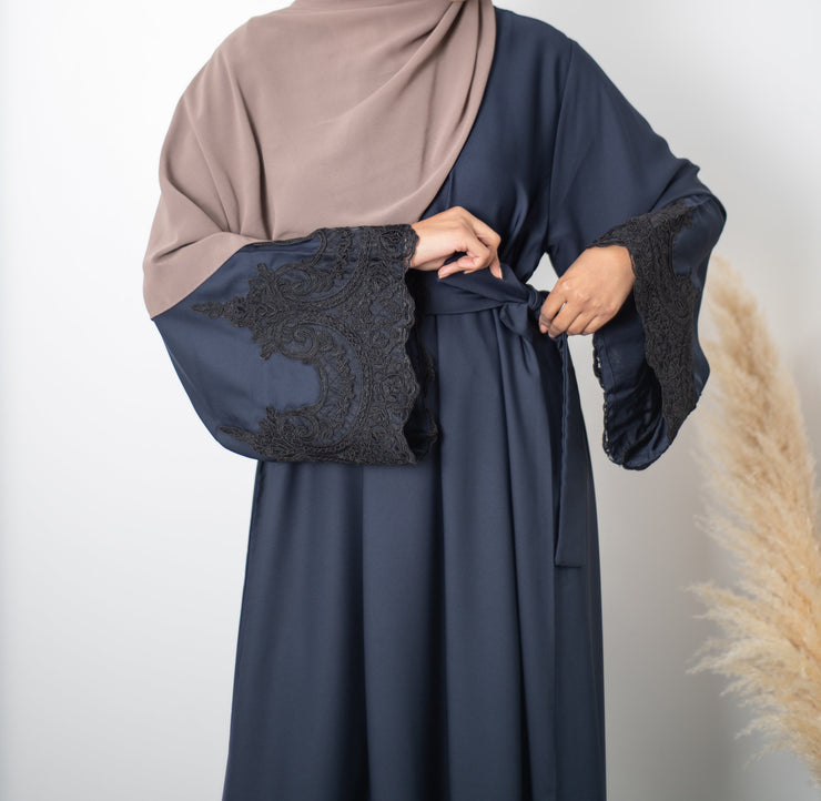 Closed Navy Amal Abaya