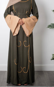 Aaliya Collections Leena Closed Abaya Stunning contrasting sleeves and pretty sequin detailing throughout