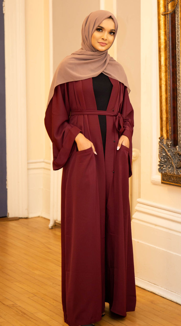Aaliya Collections Plain Maroon Pocket Open Abaya A Plain maroon open abaya of high quality nidha fabric
