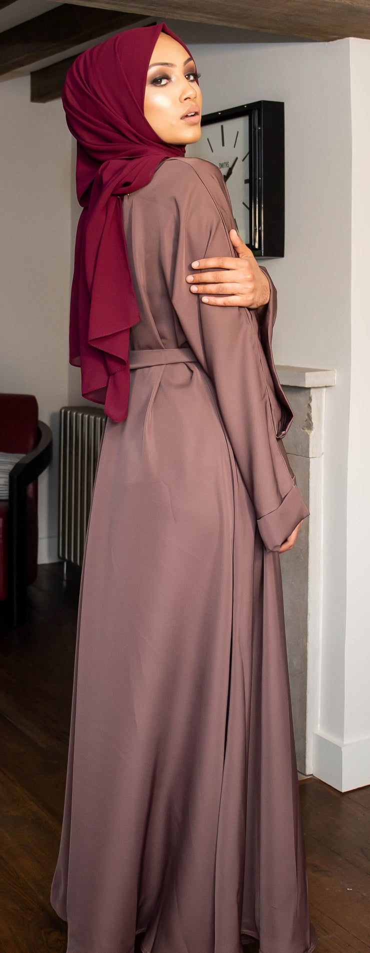 Aaliya Collections Mauve Closed Abaya