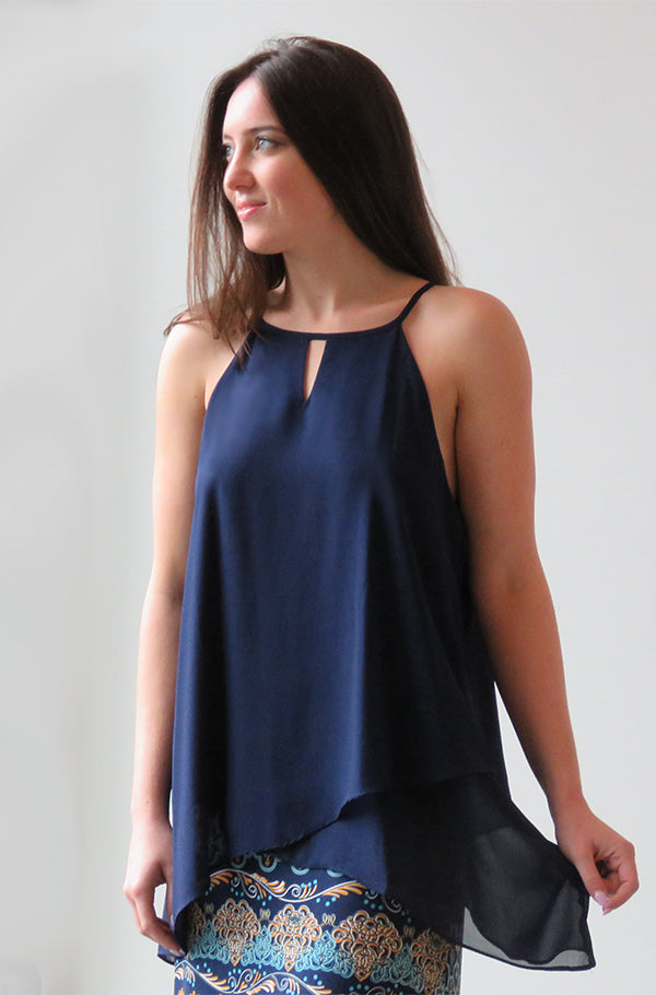 Chiffon Dropped Hem Keyhole Top Navy