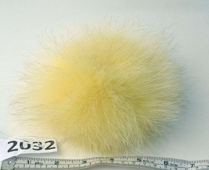 "7"" FOX POMPOM! Fur Pom-Pom, Real Fox Fur, Yellow Pom Pom, Fur Pom Pom, Fox Pompom, Real Fur, Pom, for Hat, Knitted, Children, Cap, Beanie"