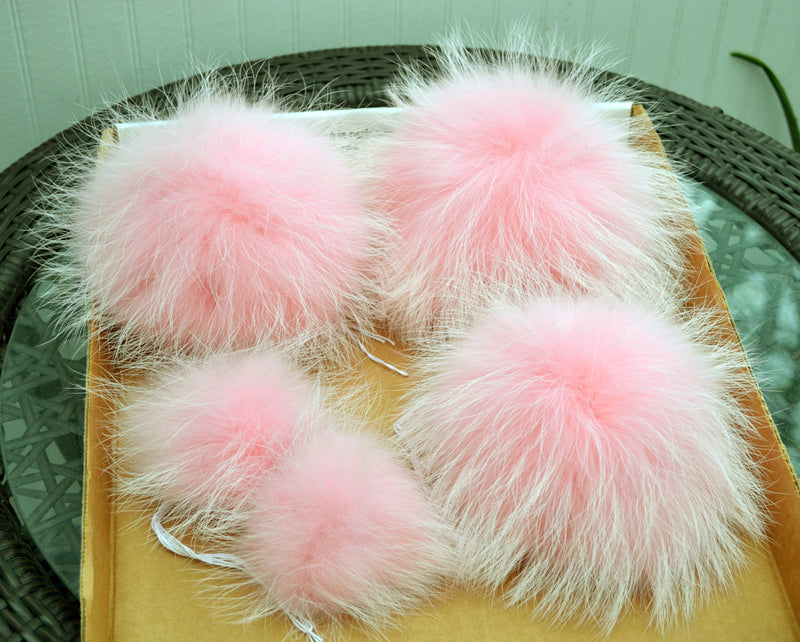"6-9,5"" EXTRA LARGE FUR Pom Poms! Double Raccoon Pom Pom Giant Pom Pom for Chunky Hat Beanie Tuque Winter Knit Hats  Puff Fluffy Fur Ball"