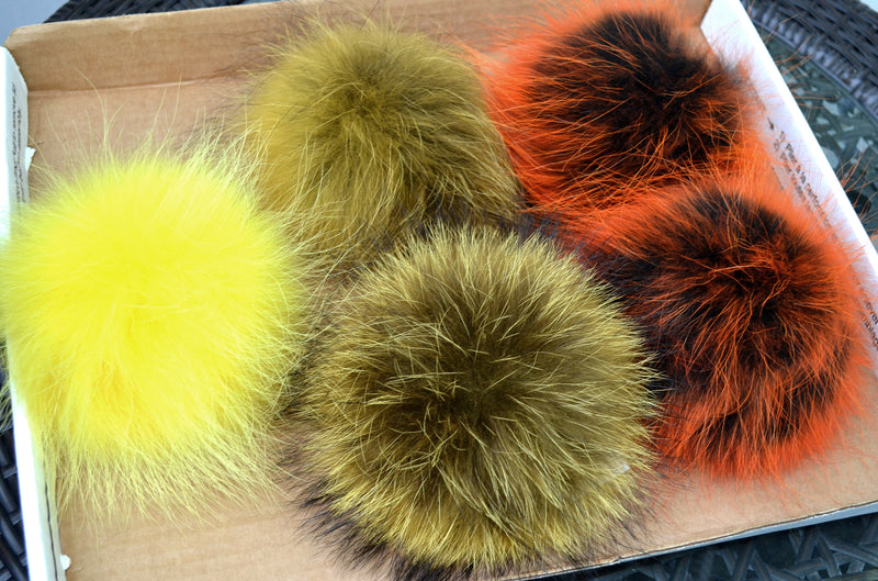 "8,5"" POM POM! Large Pom Poms, Fur Pom Pom for Hat, Fur Pompom, Fur Ball, Bag Charm, Pompom, Fur Pom, Knit Hat, Real Fur, Raccoon Fur, Orange"