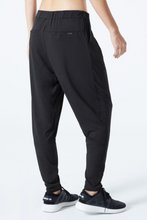 MPG Sport Women's Control Twist Pleat Pant