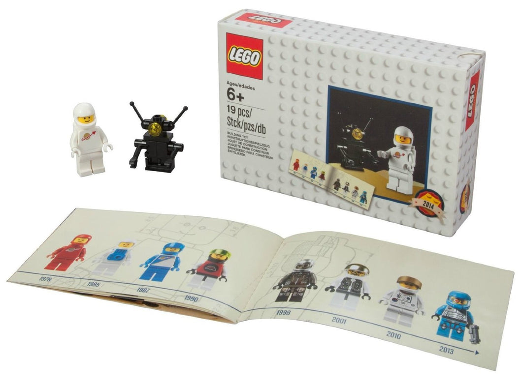 LEGO D2C Minifigure Retro Set 2014 Classic Astronaut and Robot with Book 5002812