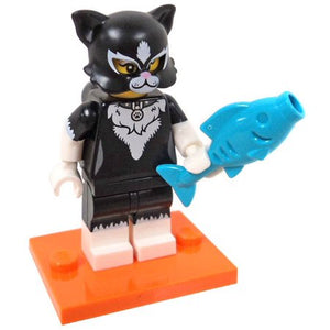 LEGO Collectible Minifigures Series 18 - CAT SUIT GIRL 71021