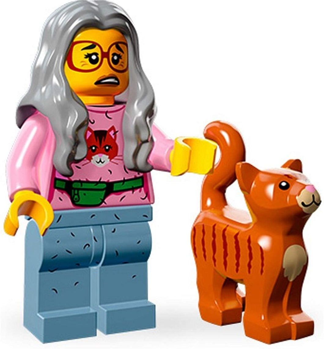 Mrs. Scratchen-Post, The LEGO Movie (Complete Set with Stand and Accessories)