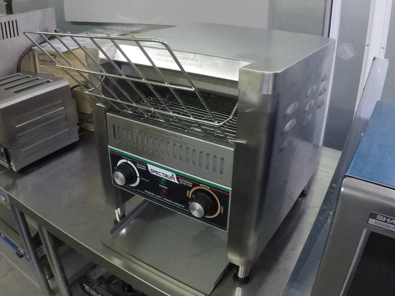 Winco ECT-500 Electric Countertop Conveyor Toaster