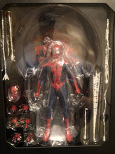 Mezco One 12 Collective CLASSIC SPIDERMAN PRE OWNED