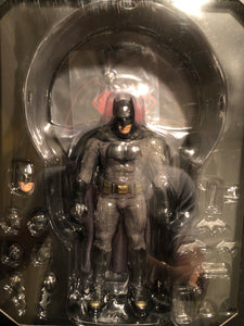 Mezco One 12 Collective Dawn of Justice BATMAN PRE OWNED #2