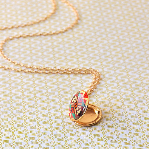 Mini Reflected Color Vintage Locket Necklace